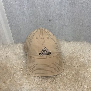 ADIDAS TAN BASEBALL HAT WITH GREY ACCENT